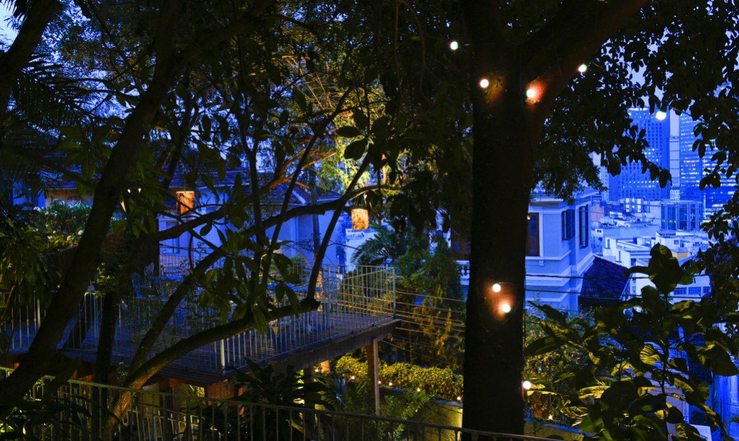 Casa Amarelo - The terrace by night